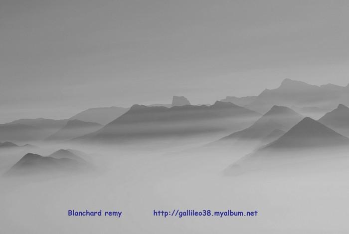 Grenoble sous les nuages